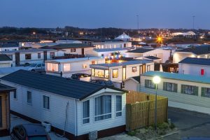 how to make money by investing in mobile homes