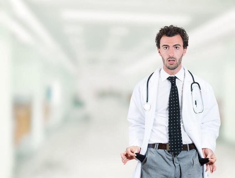 Hoje vamos tentar resolver as razões com pelo menos um grupo que geralmente ganha uma renda muito alta e ainda assim é notoriamente baixo em milionários em comparação com as mesmas rendas: os médicos.
